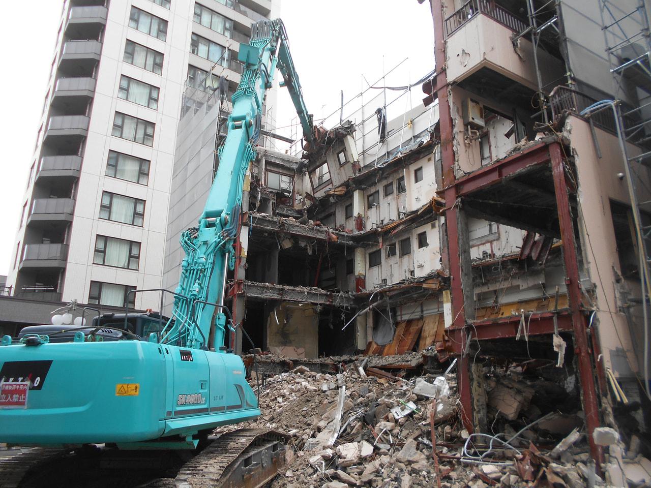 板橋区 鉄骨造解体工事 解体中